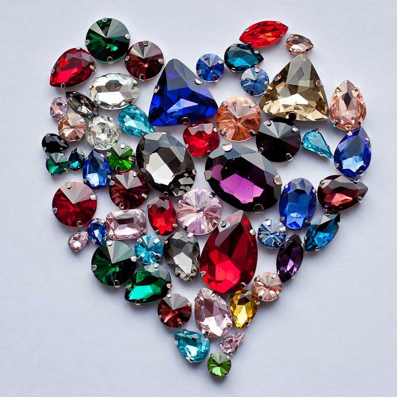 сердце из кристаллов горного хрусталя