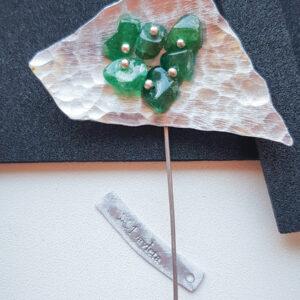 Купить бижутерию Брошь с натуральным камнем Зеленый змеевик ручная работа